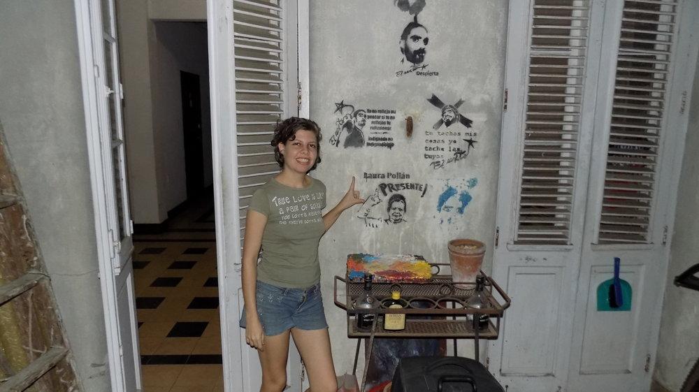 Keď Lia Villaresová hovorí o živote na Kube, usmieva sa. Pre ostatných to už také veselé nie je.