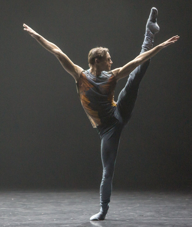 Restless, choreografia Felipe Portugal, Ballet Zurich.
