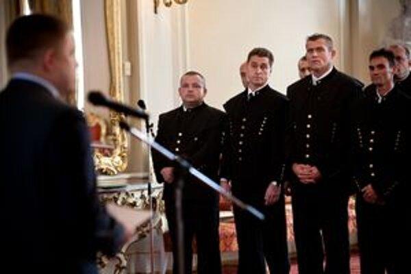 Premiér Fico odmenil banských záchranárov, ktorí pomáhali pri augustovom nešťastí v Bani Handlová.
