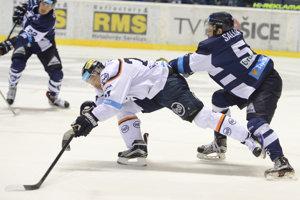 Ladislav Nagy (v bielom) sa na ľad vrátil po zranení.
