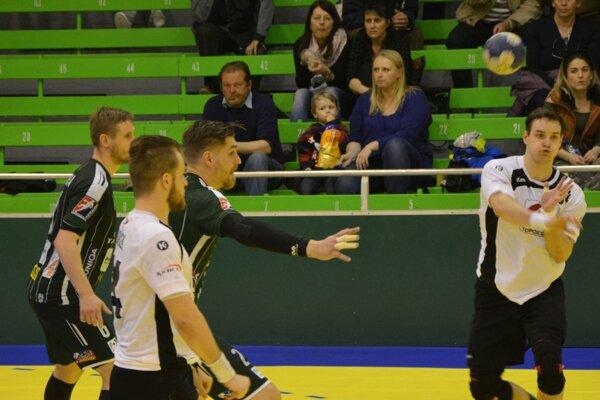 Hádzanári vyhrali v Nových Zámkoch.