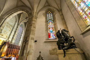 Baroková socha svätého Martina, dielo Georga R. Donnera.