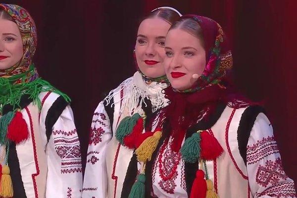 Rusínske trio. Sú krásne a ešte aj perfektne spievajú.