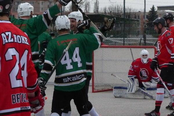 Zo zápasu Hokejmarket Skalica - LG Bratislava.