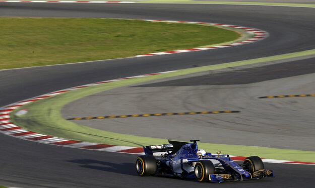 Antonio Giovinazzi sedel v kokpite Sauberu už počas úvodnej Veľkej ceny Austrálie.