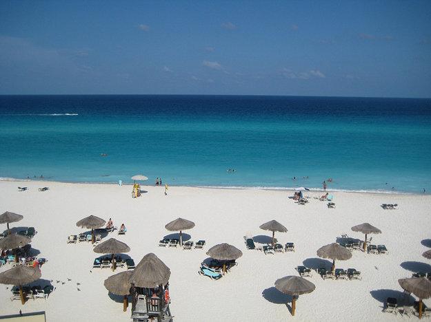 Cancún, pláž.