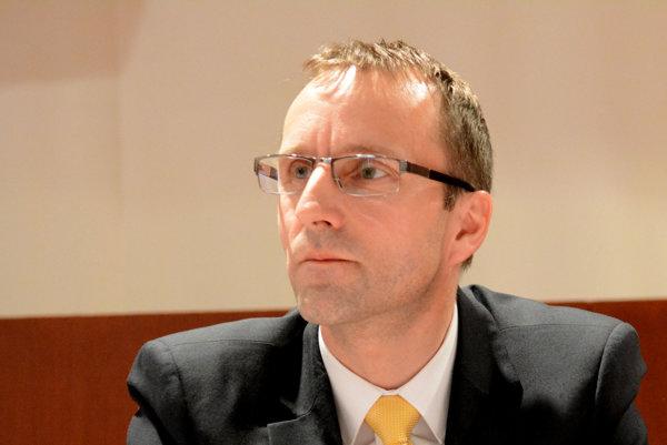 Kontrolór Ľubomír Hudák.