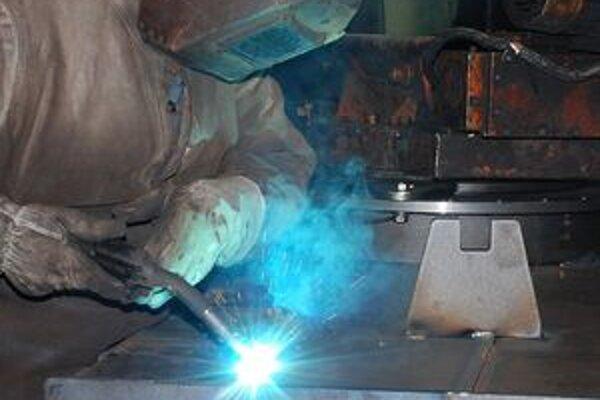 Úrad práce pripravuje nielen základné kurzy zvárania, ale i nadstavbové.