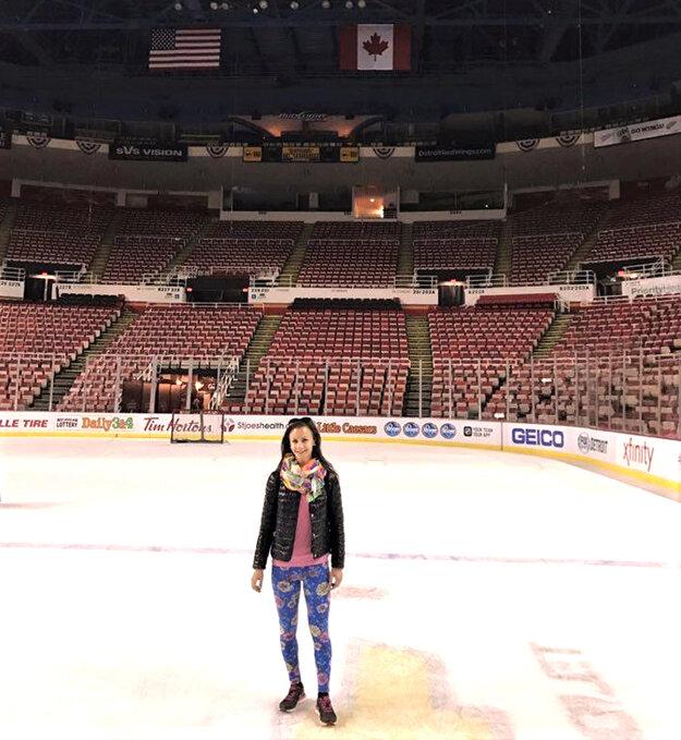 Počas voľného dňa rozhodkyne navštívili halu tímu NHL Detroit Red Wings – Joe Louis arénu. Od budúcej sezóny už bude klub NHL pôsobiť vnovej aréne, ktorej celková cena sa vyšplhala na 627 miliónov dolárov.