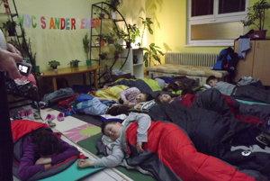 Deti prežili v Mestskej knižnici Mikuláša Mišíka v Prievidzi Noc s Andersenom.