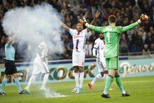 Zápas medzi Lyonom a Besiktasom poznačili výtržnosti.