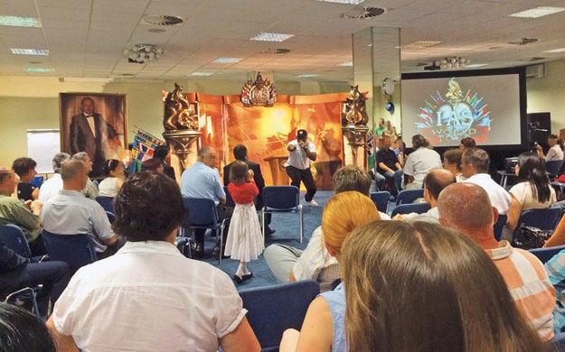 Na akcii v Banskej Bystrici vyzbierali scientológovia za viac ako štyri hodiny vyše 44-tisíc eur. Okrem zbierania peňazí pripravili aj koncert a niekoľko prednášok.