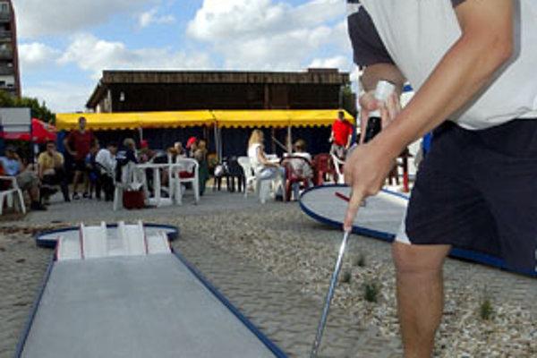 Minigolf je v Prievidzi pomerne populárny šport.