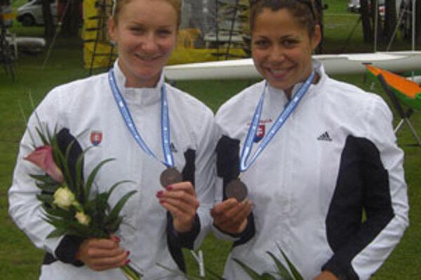 Ivana Kmeťová (vľavo) získala spoločne s Martinou Kohlovou dve medaily na nedávnych majstrovstvách Európy.
