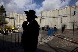 Zahraničných turistov prišlo tento rok do Betlehema málo. Nepomohla ani pápežova návšteva v máji.