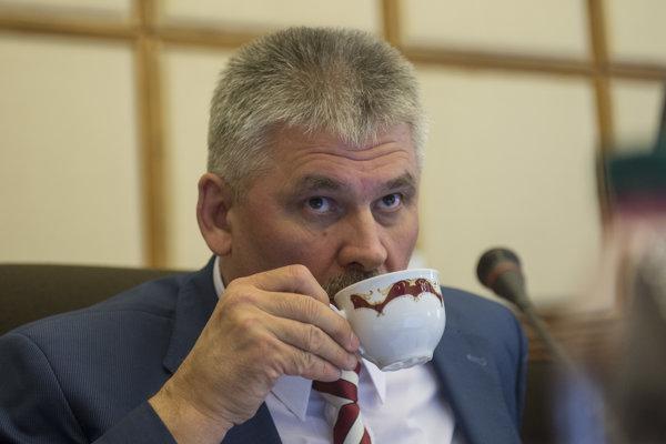 Minister práce Ján Richter (Smer).