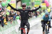 Radosť Stefana Künga v cieli pretekov.