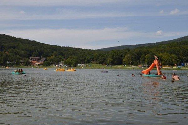 Študenti si jazero Vinné vybrali preto, lebo patria k turistickým oblastiam, ktoré ponúkajú možnosť rozvoja cestovného ruchu.