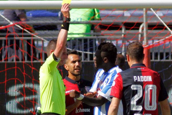Muntari po zápase povedal, že domáci ultras na neho pokrikovali rasistické urážky od začiatku stretnutia.