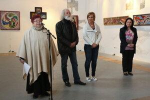 Výstavu otvorila Veronika Farkas.