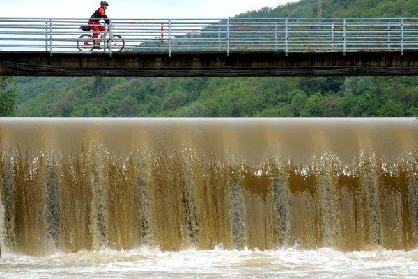 Hornád v Košiciach. Cyklistom má pribudnúť nová trasa.