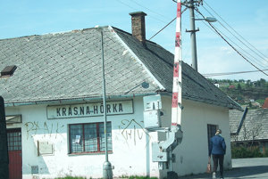Zastávka vKrásnej Hôrke je roky zatvorená, vlastník ju už zrejme neotvorí.