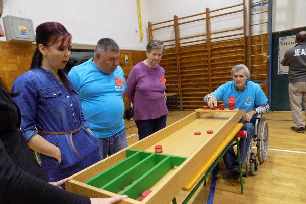 Každý súťažiaci hral dve kolá.