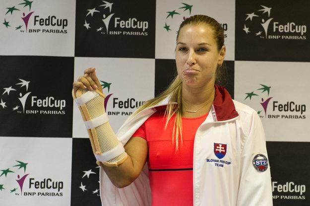Dominiku Cibulkovú vyradila narazená šľacha na pravej ruke na dva týždne.