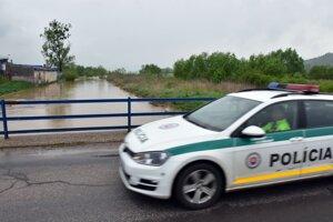 Povodňové problémy sa na Roňave opakujú pomerne často.