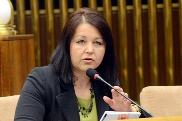 Za OĽaNO by vraj na post predsedníčky Žilinského samosprávneho kraja mala kandidovať Erika Jurínová.