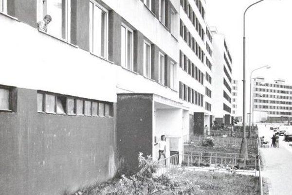 Rok 1986. Krčméryho ulica.