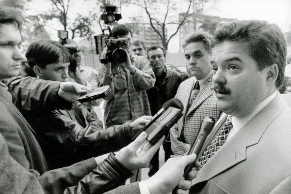 Marián Kočner (vpravo) so Štefanom Ághom, keď spolu v roku 1998 chceli ovládnuť televíziu Markíza.