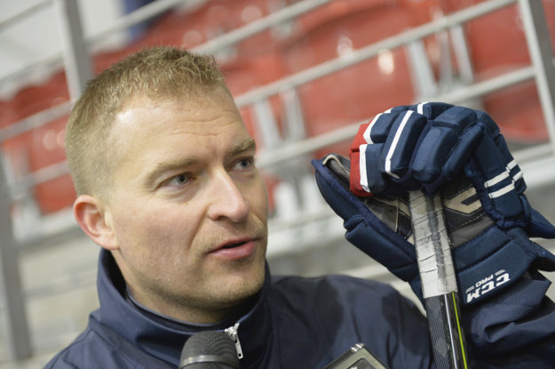 Peter Kosa je trénerom brankárov pri slovenskej reprezentácii.