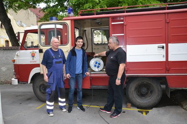 Vľavo Ladislav Botoš, vpravo Marián Šulek. S rozhodnutím mesta sa nevedia vysporiadať.