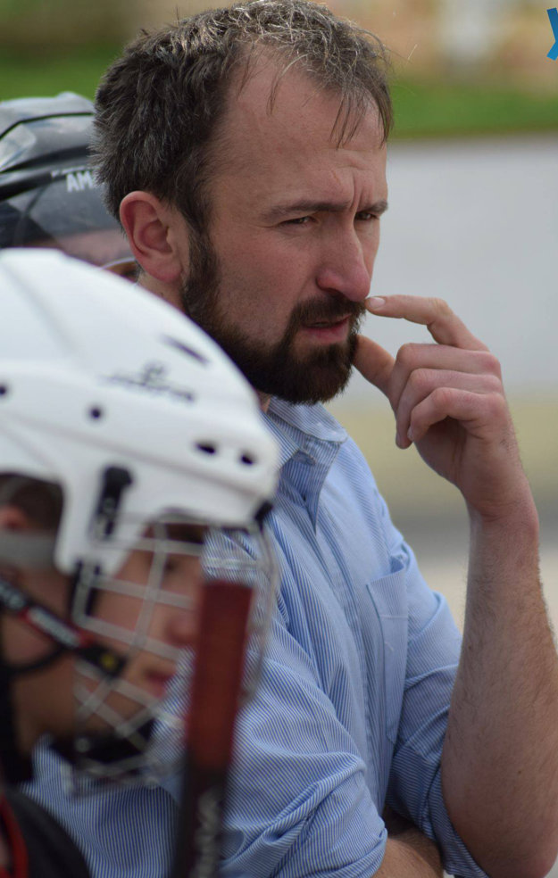 Zamyslený tréner Tomáš Urbaník.