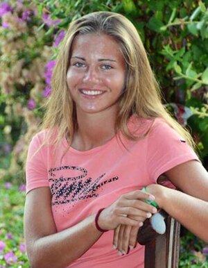 Sympatická 18-ročná slečna hrá futbal za ženy FC Nitra.