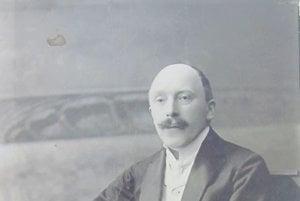 Dr. Rudolf Hazslinszky. Fotografia prvého riaditeľ Metského múzea vRožňave vzbierkovom fonde Baníckeho múzea vRožňave.
