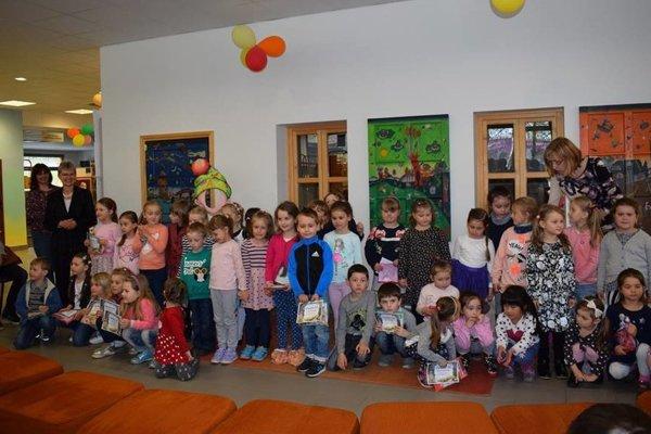 Knižnica vČadci usporiadala ďalší, vporadí už 14. ročník obľúbenej výtvarnej súťaže detí materských škôl Môj rozprávkový svet.