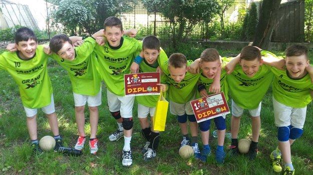 Minihádzanári po turnaji v Stupave.