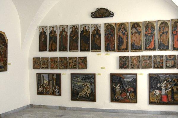 Zikonostasu zdreveného chrámu Ochrany Bohorodičky zobce Mikulášová.