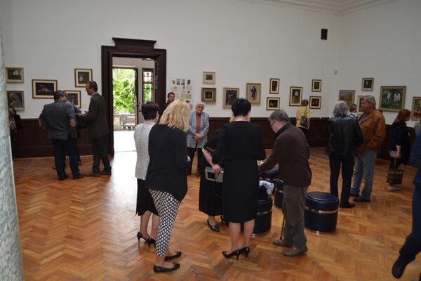 Výstava diel Teodora J. Moussona vobrazárni pod hradom Krásna Hôrka.