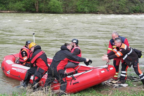 Pátranie sústredili na rieku Orava.