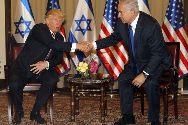 Donald Trump a Benjamin Netanjahu na stretnutí v Jeruzaleme 22. mája.