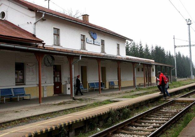 Súčasnú stanicu v Sliači má nahradiť nová.