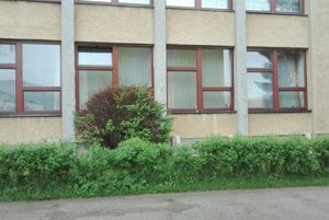 Nové okná sú až aj na telocvični a školskom klube.