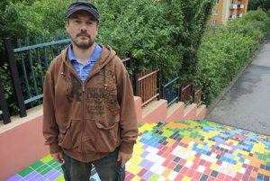 Autor na súčasnom vzhľade schodov pracoval viac ako dva týždne.