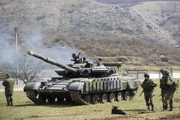 Ukrajinských vojakov na Kryme vystriedali ruskí.