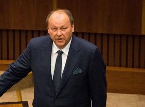 Elemér Jakab. Krajský šéf Mosta nepredpokladá, že opäť podporia kandidáta Smeru.