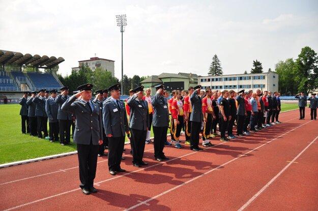 Otvárací ceremoniál bol spojený s oceňovaním.