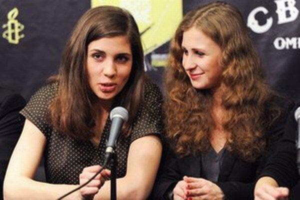 Nadežda Tolokonniková a Maria Aľochinová.